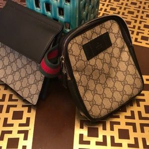 Accessories - Gucci fannypack